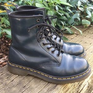 READ Dr Martens 1460 Patent Navy Blue Combat Boots